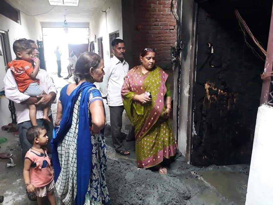 -नगर पंचायत अकबरपुर के अंतर्गत वार्ड 12 बजरंग नगर में श्री रामसेवक विश्वकर्मा के घर सिलेंडर फटने से