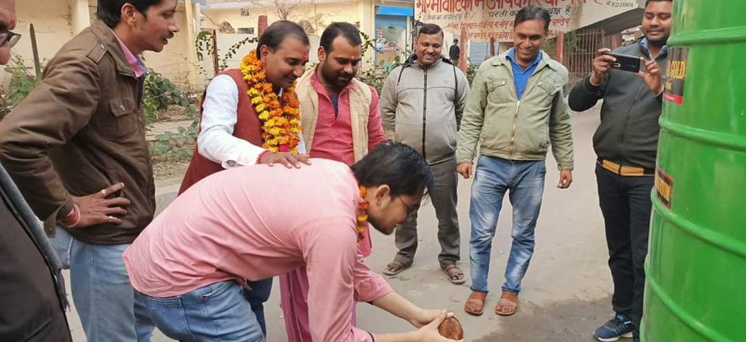 -स्थानीय निवासियों के लिए मूलभूत सुविधाएं मुहैया कराने के मद्देनजर पार्षद शिवपाल सावरिया के प्रयास ज