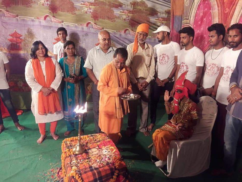 -प्रभु राम के जीवन चरित्रों की व्याख्या करने और समाज को सकारात्मक संदेश देकर सभ्य एवं स्वच्छ बनाने क