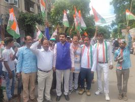 नामांकन जुलुस में कांग्रेस प्रत्याशी करिश्मा ठाकुर के समर्थन में जुटी भारी भीड़