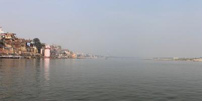 गंगा नदी और गीता – गंगा कहती है - पृथ्वी पर मात्र गंगा एकमात्र जल नहीं, अमृत की धारा है. अध्याय 16, श्लोक 8 (गीता : 8)