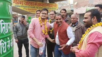 शिवपाल सावरिया - आलमनगर दुर्गा मंदिर के बाहर किया सबमर्सिबल टंकी का उद्घाटन