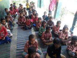 -नगर पंचायत अकबरपुर के अंतर्गत लोहिया नगर वार्ड-10 के धरऊ ग्राम में प्राथमिक विद्यालय में विद्यार्थि