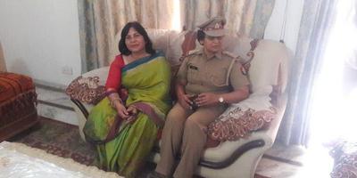 शहीद दिवस पर शहीद पुलिस कर्मचारी को श्रद्धांजलि अर्पित
