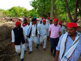 सदर विधानसभा में ग्राम कोटवा बस्ती, हमीरपुर के अंतर्गत सपा विजय हेतु जनसंपर्क अभियान