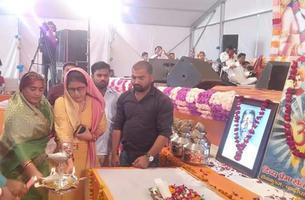 श्री राम कथा के शुभ अवसर पर किया गया व्यास पूजन एवं सम्मान