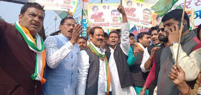 प्रियंका गांधी के सक्रिय राजनीति में शामिल होने से कानपुर कांग्रेस में उत्सव का माहौल