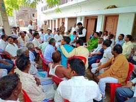 ग्राम दलयानपुर, बाराबंकी लोकसभा में नुक्कड़ सभा कर गठबंधन प्रत्याशी को विजयी बनाने की अपील