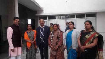 खिचड़ी सहभोज में कार्यकर्ताओं के साथ