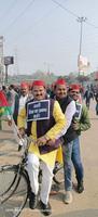 स्थानीय पार्षद के साथ-साथ युवा कार्यकर्ताओं ने साइकिल रैली में लिया हिस्सा