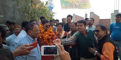 सआदतगंज वार्ड में कनक सिटी के अंतर्गत रोड इंटरलॉकिंग एवं नाली कार्य का उद्घाटन