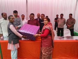 एक कदम स्वच्छ भारत की ओर - तिवारीपुरवा गांव में चलाया स्वच्छता अभियान