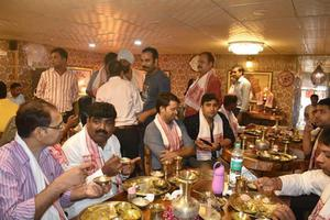 राष्ट्रीय अध्यक्ष संजय कुमार जी ने किया असम डेलिकसी रेस्टोरेंट का उद्घाटन
