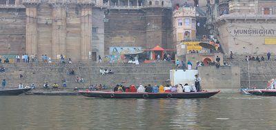 गंगा नदी और गीता - गंगा कहती है – मेरे दृश्य लोक की अवधारणा को देखो: अध्याय 8 श्लोक 21 (गीता: 8: 21)