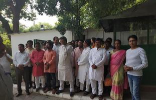 युवा जदयू दिल्ली - बिहार के मुख्यमंत्री नीतीश कुमार जी को युवा जदयू दिल्ली प्रदेश की ओर से जीत की बधाई
