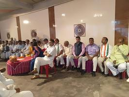 करिश्मा ठाकुर के केंद्रीय कार्यालय के उद्घाटन कार्यक्रम में शिरकत