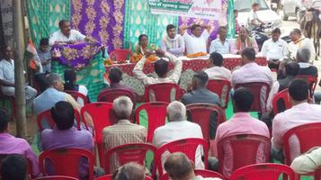 नुक्कड़ सभा के जरिये कानपुर कांग्रेस कमेटी ने जनता तक पहुंचाई सरकार की तानाशाह नीतियां
