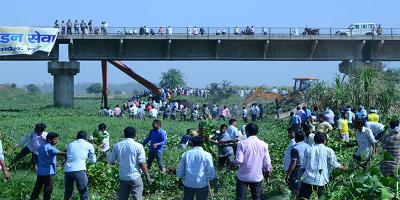 हिंडन नदी - मण्डलायुक्त ने किया हिंडन सेवा का निरीक्षण
