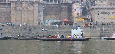 गंगा नदी और गीता - गंगा कहती है – गंगा जल में है ध्वनि-तरंग-अवशोषण-शक्ति: अध्याय 8 श्लोक 11 (गीता : 8:11)