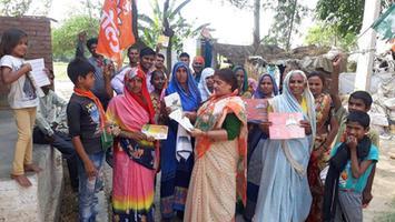 ज्योतिष्ना कटियार – लोकसभा चुनावों में भाजपा को बहुमत से जीत दिलाने हेतु विभिन्न वार्डों में चुनाव प्रचार