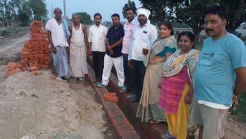 ज्योतिष्ना कटियार – नगर पंचायत अकबरपुर में अध्यक्षा महोदय ने किया विकास कार्यों का औचक निरीक्षण