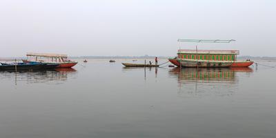 गंगा नदी और गीता – गंगा कहती है –समस्त जीव-जगत की रक्षा करना मेरा उद्देश्य है. अध्याय 18, श्लोक 1-2 (गीता : 1-2)