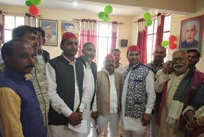 सपा कार्यालय की मासिक बैठक में राम लखन गौतम जी ने विभिन्न मुद्दों पर रखे विचार