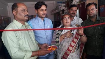 ज्योतिष्ना कटियार - अकबरपुर में श्री खाटू श्याम जी फर्नीचर व टिम्बर हाउस का किया उद्घाटन
