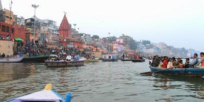 गंगा नदी और गीता – गंगा कहती है, नदी जितना प्रदूषित होती जाती है, उतनी ही अशांति बढ़ती जाती है. अध्याय 9 श्लोक 17 (गीता : 17)