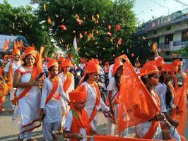 दशहरा शोभायात्रा के अवसर पर जय श्रीराम के जयघोष से राममय हुआ राजाजीपुरम