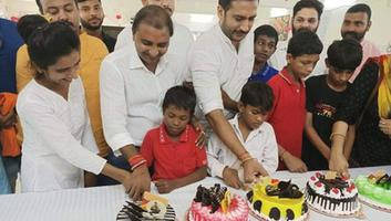 शिवपाल सांवरिया - संस्था के विशेष बच्चों के साथ मनाया देश के प्रधानमंत्री नरेंद्र मोदी जी का जन्मदिन
