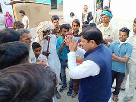 ग्राम सेमला कलां (राजस्थान-भरतपुर विधानसभा) में नुक्कड़ सभा को संबोधन