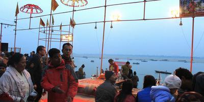 गंगा नदी और गीता – गंगा कहती है - मैं सबका भरण-पोषण करने वाली तथा सबको वास स्थान देने वाली हूं. अध्याय 9, श्लोक 18 (गीता : 18)