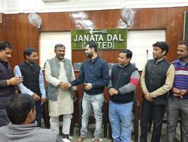 अमल कुमार - भारतीय किसान यूनियन प्रदेश महासचिव मनीष कुमार ने जदयू की सदस्यता ग्रहण की.
