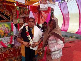 -कानपुर देहात के अंतर्गत ग्राम बिहारी सेंगुर नदी के तट पर स्थित बिहार घाट में श्री सुरेश चंद्र यादव