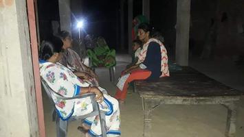 ज्योतिष्ना कटियार – अकबरपुर नगर पंचायत में विभिन्न स्थानों पर शोक सभा में पहुंच कर मृतकों के परिजनों को दी संवेदना