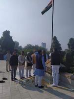 झंझारपुर सांसद श्री आर पी मंडल ने जदयू राष्ट्रीय कार्यालय में किया झंडारोहण