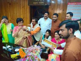 धूमधाम से मनाया गया लखनऊ की मेयर श्रीमती संयुक्ता भाटिया का जन्मदिवस