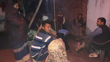 ज्योतिष्ना कटियार – अकबरपुर नगर पंचायत के वार्ड 17 में स्वर्गीय फूलमती राजपूत के निधन पर की शोक संवदना व्यक्त