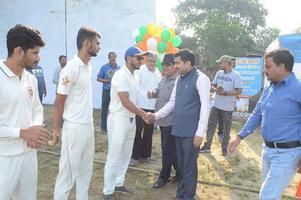 युवा प्रतिभाओं को प्रगति देने के लिए प. दिनेश मिश्रा क्रिकेट टूर्नामेंट का किया गया उद्घाटन