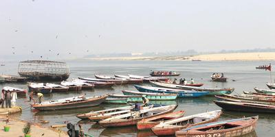 गंगा नदी - हिमालय पृथ्वी के वातावरण और जलवायु को निर्धारित करता है, यह वातावरण का कंट्रोलिंग पॉवर हाउस है. MMITGM : (34 व 35)