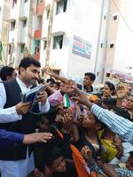 इंदिरा गाँधी की जयंती पर कल्याणपुर विधानसभा के अंतर्गत काशीराम कॉलोनी पनकी, रतनपुर में बच्चों को बांटे तोहफे