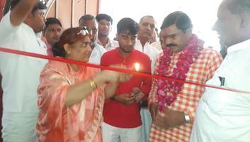 ज्योतिष्ना कटियार – प्रधानमंत्री नरेन्द्र मोदी के जन्मदिवस पर अकबरपुर हिंदी भवन सभागार में किया गया प्रदर्शनी का आयोजन