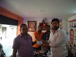आयुष्मान भारत योजना के अंतर्गत मौलवीगंज वार्ड में सुपात्रों को बांटे गए गोल्डन कार्ड