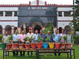 अमीनाबाद इंटर कॉलेज में किया निबंध प्रतियोगिता के विजेता छात्रों को पुरस्कृत