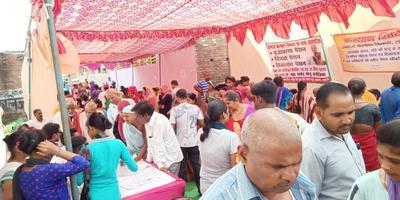 मोनू कनौजिया द्वारा पेंशन कैंप का आयोजन एवं निशुल्क गैस सिलेंडर वितरण किया गया