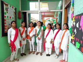 स्वतंत्रता दिवस के अवसर पर ध्वजारोहण कार्यक्रम का आयोजन