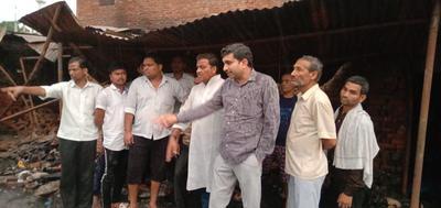 राजीव द्विवेदी- कल्याणपुर स्थित बाजार में लगी आग में लाखों का माल जलकर खाक