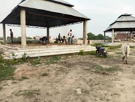 स्वच्छता अभियान के तहत श्मशान घाट पर की सफाई