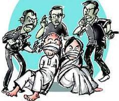 डकैतों का घर में धावा, तमंचे के बल पर परिवार को बंधक बनाकर भैंस लूट ले गए